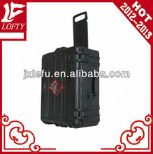 Hard plastic case with handle