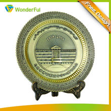 Long History Factory Round Embossed Plate Type And Wooden Base Attach Custom Tourist Souvenir Metal Medal Tray