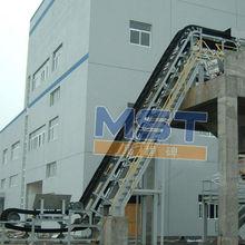 Large slop raised edge conveyor belt