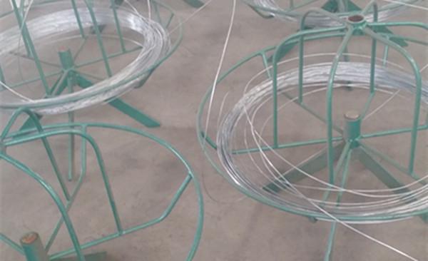 Wire holder.jpg
