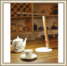 Wooden swing arm table lamp without any paint, material is 100% natural America red oak