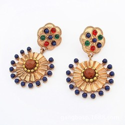 The unique design of the classic Super Cool Retro alloy beautiful gemstone earrings