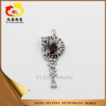 Special design tiger shaped with natural garnet 925 sterling silver gemstone pendant