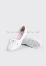 China anno Anti-slip Microfiber leather fashion nurse shoes