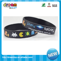 Highly popular customized glow in the dark wristbands