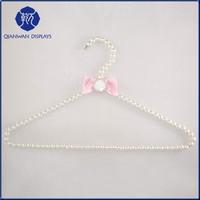 Wholesale flower design pearl beaded wavy hanger hook
