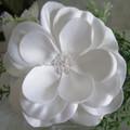 Flor de tecido branco com lantejoulas para vestido decoração vestuário