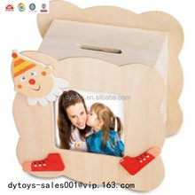 solid plastic house shape piggy bank photo frame ICTI ,ISO ,BV certificates