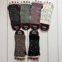 Beautiful girls knitted lace gloves ladies cheap winter knit gloves colored cotton knitted gloves for women