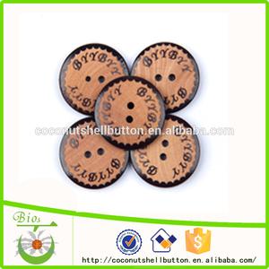 天然木製のボタンから40l25.4ミリメートル天然ボタン工場