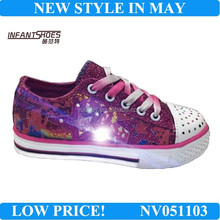 Newest fashionable blinking sneakers/sport shoes with lace up for girls