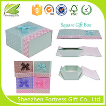 Rectangle Shaped Fancy Designed Magnetic Gift Box with Ribbon
