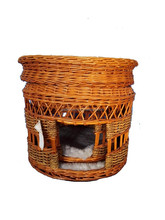 finish antique baskets, pet beds , round bed