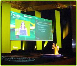 Indoor P4 full color rental led display 512x512 die-casting only 8kg Pitch 3mm pixels Full Color Tube Chip LED Video Display7.62 case.jpg