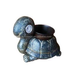 New Design Garden Cute Resin Tortoise Figurine Flower Pot with Solar Power Light In Eyes