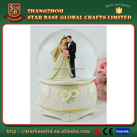 Custom wedding couple favors snow snow globe