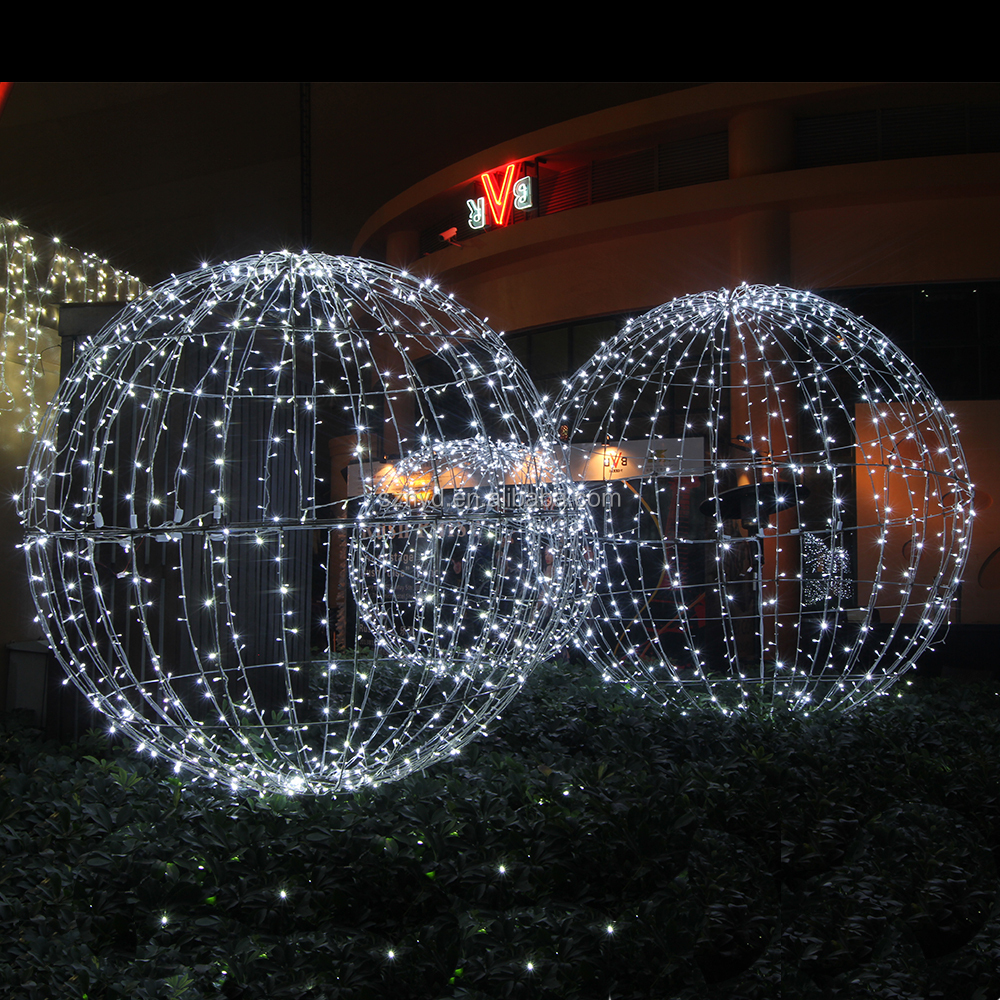 1111jpg - Outdoor Christmas Balls
