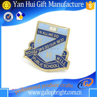 high quality custom metal lapel pin badge distributer China