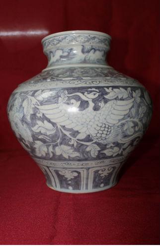 ราชวงศ์หมิง( 14- 15c) แจกันจีนโบราณโถลายครามสีฟ้าและสีขาวจีน