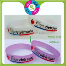 wholesale cheap custom Silicone UV Color Changing Bracelet