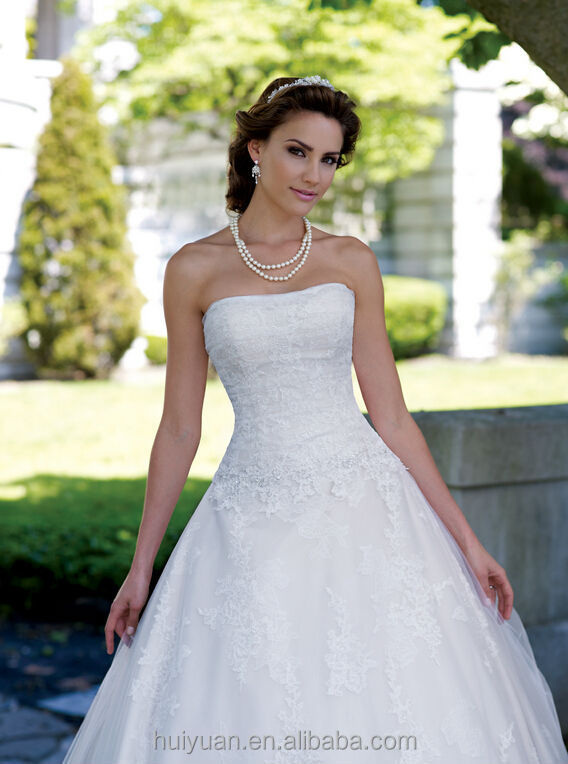 white lace ball gown scoop neck sleeveless wedding formal dress