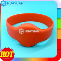 Custom RFID Smart ID Silicone Wristbands China Supplier