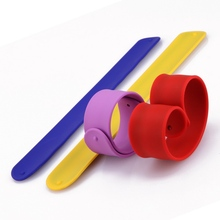 free rubber band bracelet,custom design silicone snap bracelet