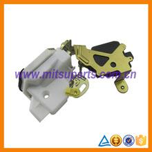 RR LH Door Latch For Mitsubishi Pajero V73W V74W V75W V76W V77W V78W MR512243