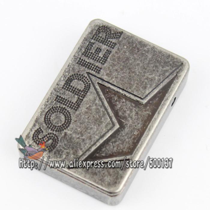 ถูก ทหารรูปแบบรูปดาวห้าแฉกอิเล็กทรอนิกส์Flameless W Indproof USBชาร์จซิการ์บุหรี่ไฟแช็ก