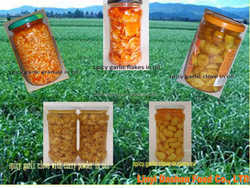 white pure garlic peeled Pickled Spicy garlic in oil for EU market