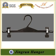 Clip Hanger in Plastic for Pants