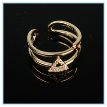 Brass passion ring factory price elegant one size fits all ring with triangle decoration
