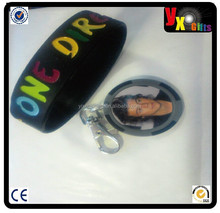 Harry Styles Poker Chip Key ring + One direction silicone wristband/photo paper