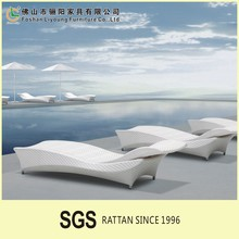 Comfortable Outdoor rattan wooden Daybed/Sun Bed LG61-9546