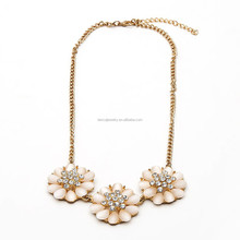 the new design flower shape diamond alloy resin jewelry necklace