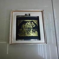 9oz Black skin hot gold bear flask add gold gift box