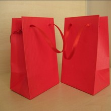 Custom small red shopping cotton handle drawstring dress with logo printed for apparel gift packaging paper bags