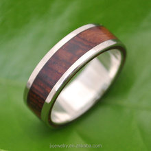 new arrival fashionable red wood inlay tungsten ring