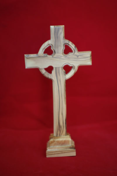 Olive wood standing celtic cross buy celtic cross wooden for Cheap wooden crosses for crafts