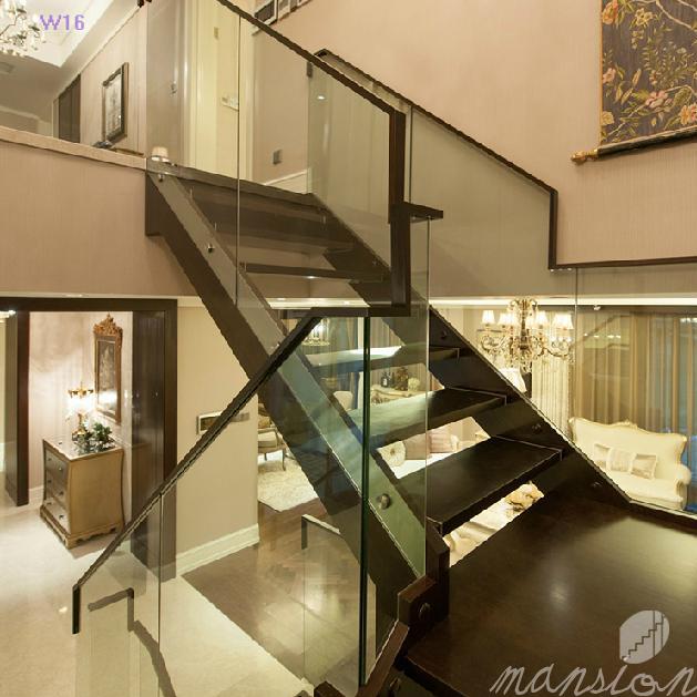 Moderna casa de cristal interior de las escaleras de - Precios de escaleras de madera para casas ...