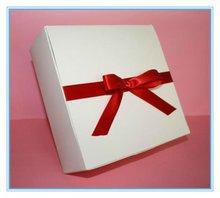 Dongguan made 2012 hot sale christmas packaging box with ribbon