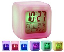 2015 hot sale led color changing glowing cube clock