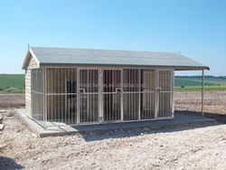 Hot sale cheap triple dog kennel with feed store and solid bar run