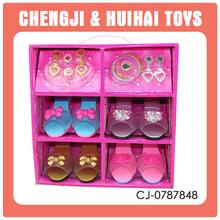 Plástico más nuevo modelo de juguete niña zapatos venta