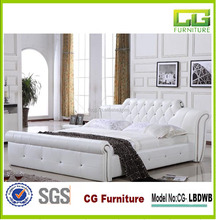2015 Fashion luxury bedroom furniture White pu bed with crystals double leather bed