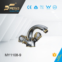 China new design bathroom double handle gold bidet faucets