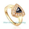 inesquecível upscale triângulo prata 925 18k ouro anel de pedras zirconia