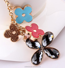 Four leaf clover rhinestone metal keychain,2015 promotional keychains with competitive price and high quality K0004