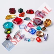 Piedras sueltas de lujo Diamond vidrio cristal tallado apuntan cuentas atrás