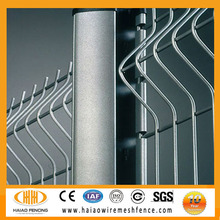 Good manufacture abour the galvanized or pvc coated welded wire fence panels in 6 gauge/galvanized wire mesh fence